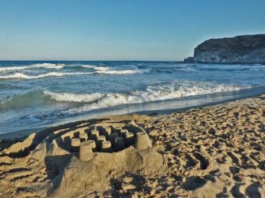 Castillo en la playa del Plomo