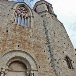 Besalú - Església Sant Vicenç