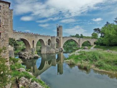 Besalú - Puente medieval