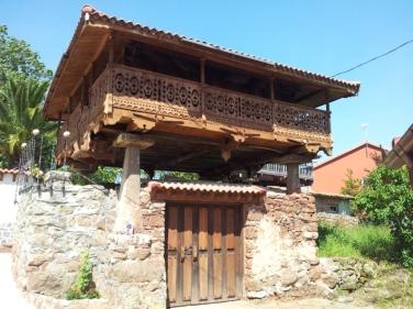 Llanera - Hórreo