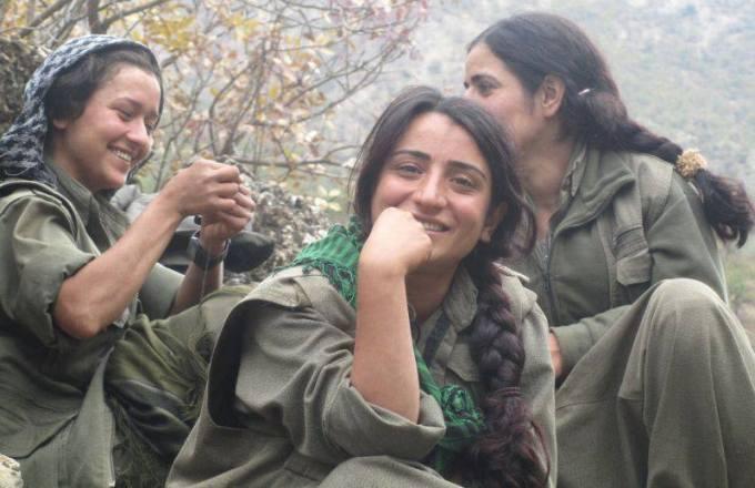 Guerreras kurdas