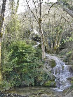 Roquefort les Cascades